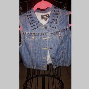 ❤️ Chique Denim Cropped Studded Vest